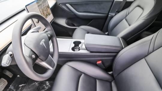 2021 Tesla Model Y 5YJYGAEE3MF160082