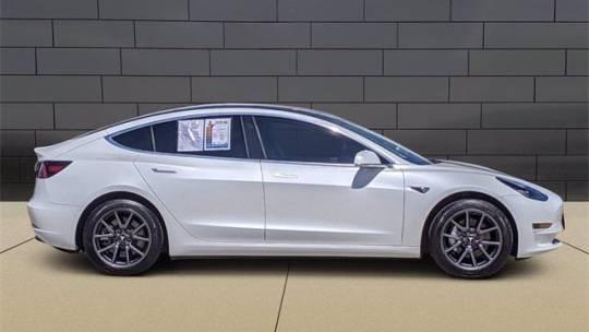 2019 Tesla Model 3 5YJ3E1EA0KF324351