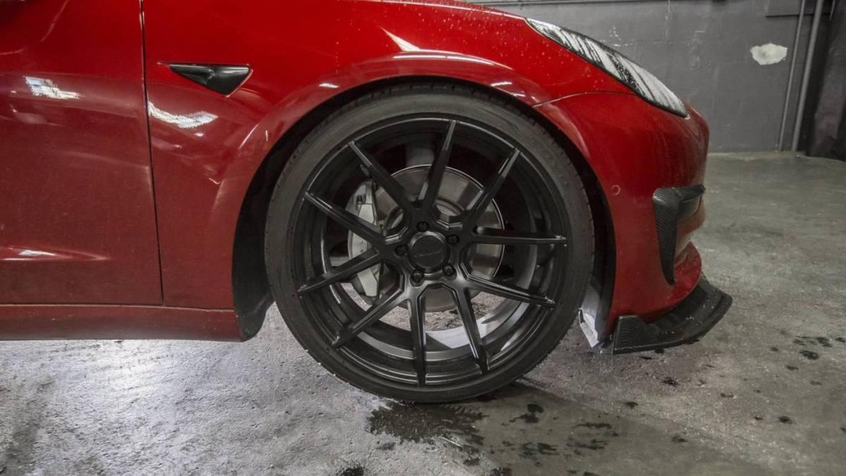 2018 Tesla Model 3 5YJ3E1EB6JF090045