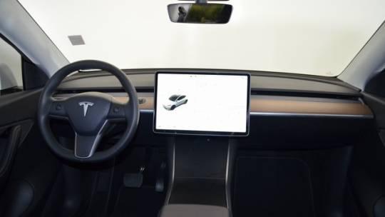 2020 Tesla Model Y 5YJYGDEE6LF037327
