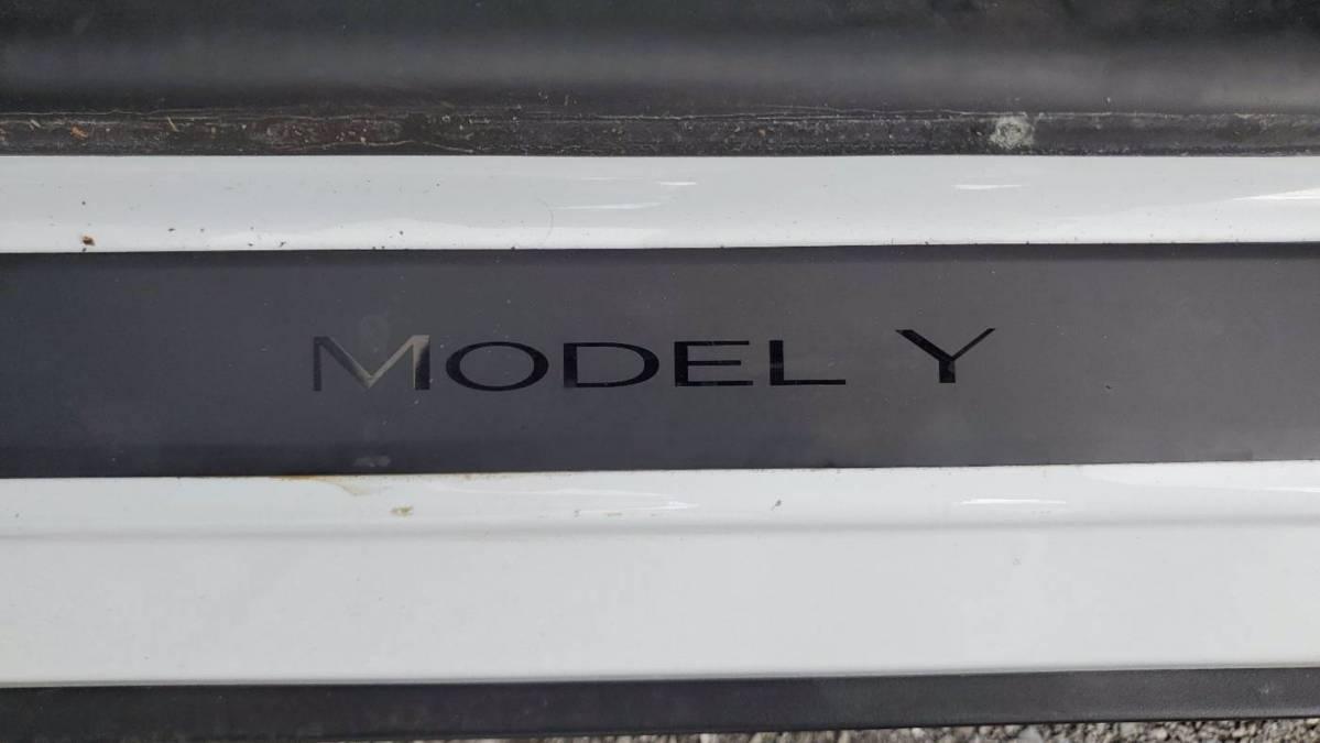 2020 Tesla Model Y 5YJYGDEE0LF043771