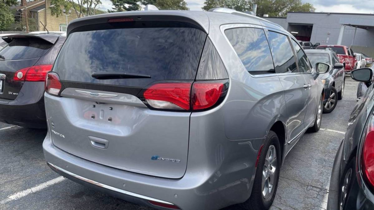 2020 Chrysler Pacifica Hybrid 2C4RC1L7XLR224433