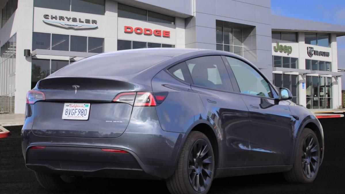 2021 Tesla Model Y 5YJYGDEE3MF122756