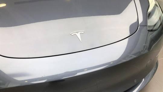2018 Tesla Model 3 5YJ3E1EBXJF082885