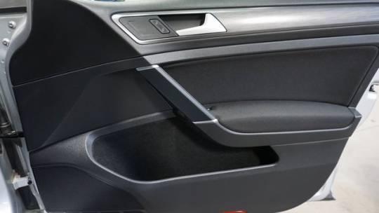 2019 Volkswagen e-Golf WVWKR7AU2KW910855