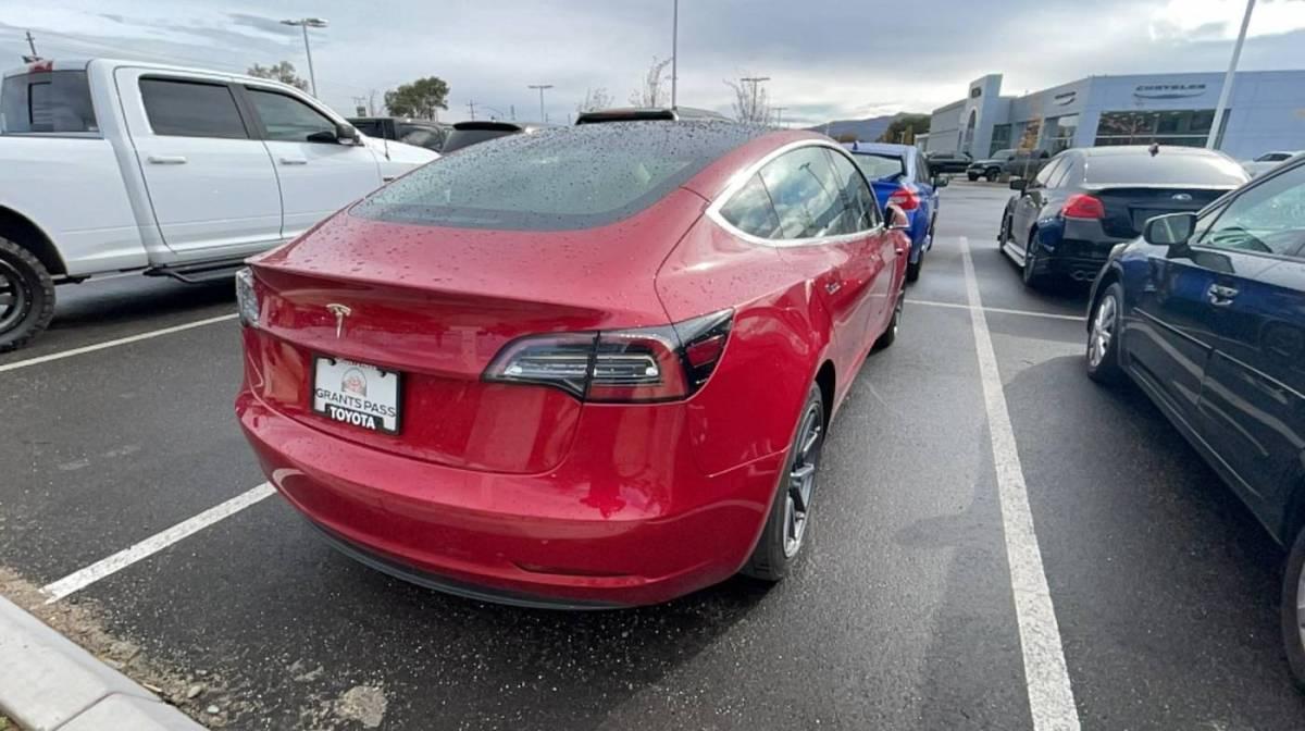 2018 Tesla Model 3 5YJ3E1EB1JF104806