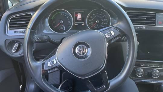 2018 Volkswagen e-Golf WVWKR7AU5JW907656