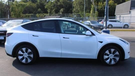 2020 Tesla Model Y 5YJYGDEEXLF027495